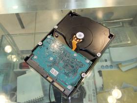HGST Deskstar 7K3000 2TB 7200转 64MB SATA3(HDS723020BLA642)